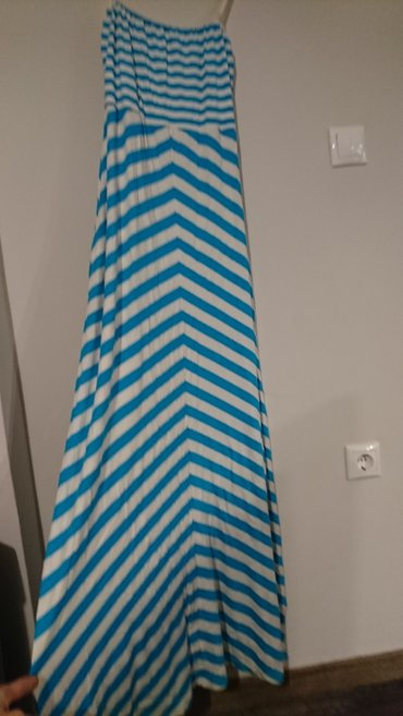 Φορεμα small αλλά έχει ελαστικότητα έως large. 2 φορές φορεμενο σε Σαλαμίνα