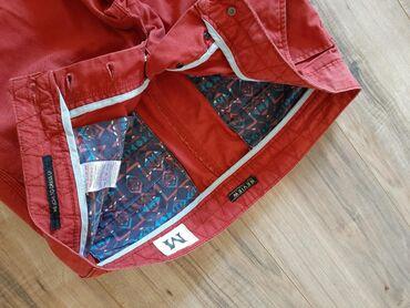 Muske pantalone REVIEW Veličina M Boja radi svetlosti je ispala jača