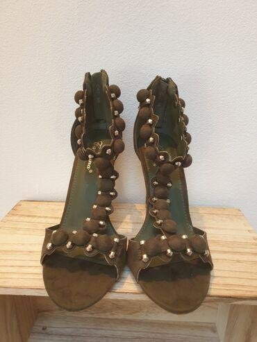 Pantalone boja maslinasto zelena kvalitetne super meka - Srbija: Nove sandale, maslinasto zelena boja