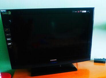 ТВ и видео - Кыргызстан: Продаю телевизор Самсунг в идеале.длина80-50.цвет черный