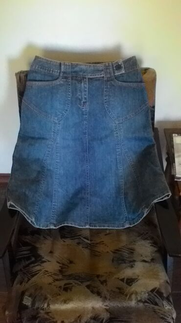 Hm suknja od punijeg teksas, poluobim struka 37cm, dužina 64cm