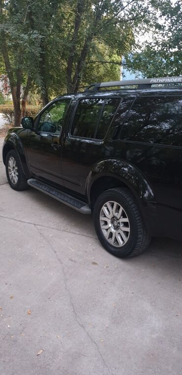 белый nissan в Ак-Джол: Nissan 2.5 л. 2012 | 130000 км