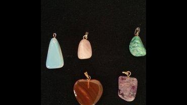 Bakı şəhərində Кулоны из натуральных камней. каждый отдадим за 6 ман.