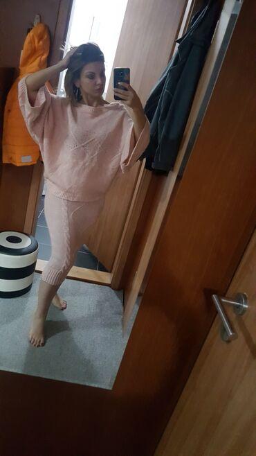 Trikotazni komplet dzemper+suknja. Roze boja. Novo