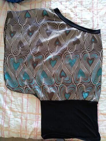 Haljina na jedno rame L/XL mogu i sitnije zene da je nose jer su