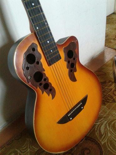 Продаю гитару.б/у. Срочно за 1200сом. Окончательно ! в Бишкек