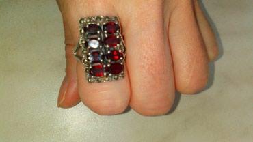 Brilliance-m1-2-at - Srbija: Divan, masivan srebrni prsten, nosen je 2-3 puta malo je ovalan
