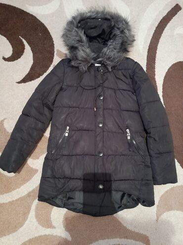 Мужская одежда - Кок-Ой: Продаю зимнюю куртку женская размер 42-44 сзади немного длиннее чем