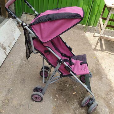 Продаю фирменную,детскую,летнюю коляску трость в хорошем состоянии