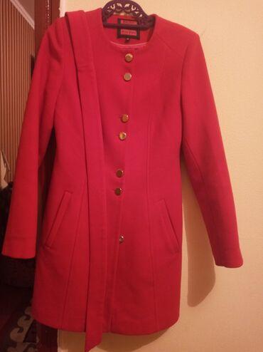 Тумбочки для одежды - Кыргызстан: Пальто женское, в отличном состоянии, 36 размер,кашемировое