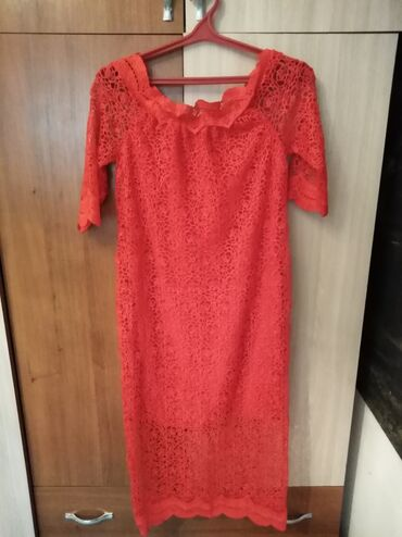 Красное кружевное платье. Новая. 44-46размер.сидит шикарно отдам за