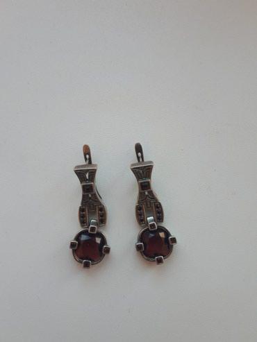 Продаю серьги серебро 975 пробы каменьгранат производство Россия в Бишкек