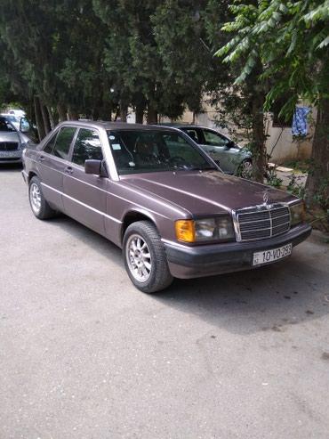 Bakı şəhərində Mercedes-Benz 190 1991