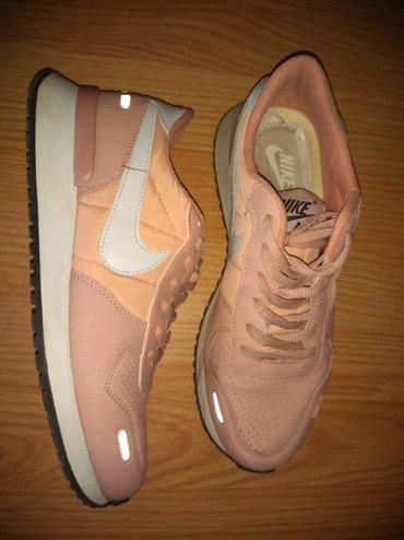 Ženska patike i atletske cipele | Veliko Gradiste: Nike zenske patike br.40 ocuvane malo nosene