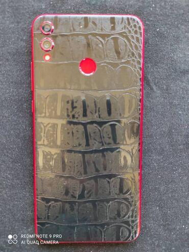 Продаю!!! Honor8x Память 4/64 Цвет красныф сзади пленка от защиты