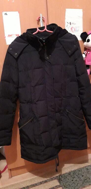 Zara perjana jakna. L vel