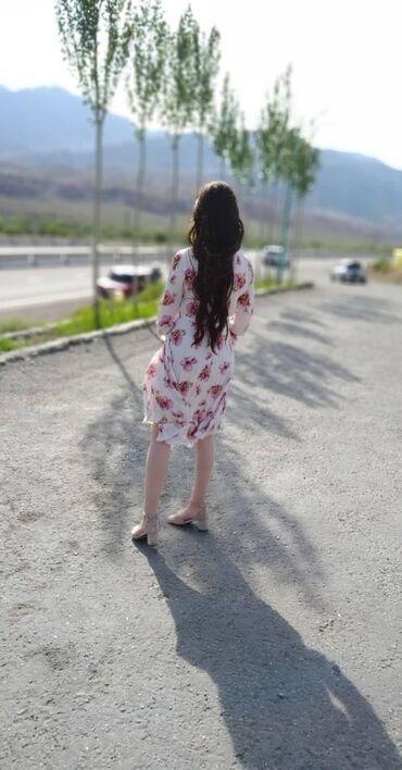 Продаю платье нежно розовом цвете. 42 размер. Очень удобно кормящим