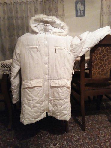 Bela ženska, zimska jakna, ne propušta sneg i kišu - Belgrade