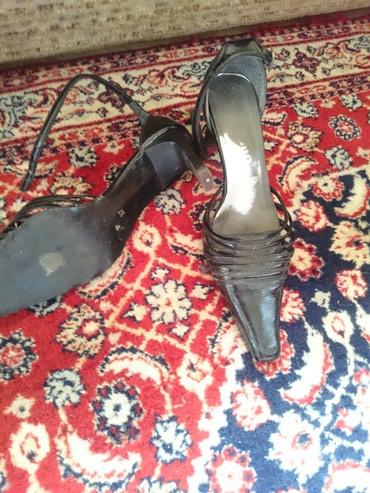 Sandalete lakovane, kao nove, u broju 37 - Belgrade