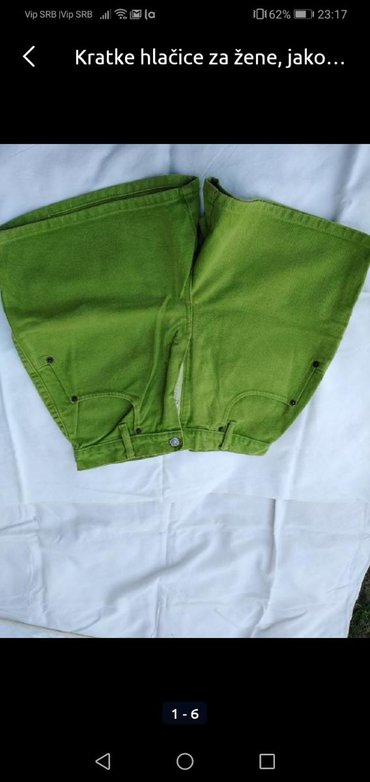 Kratke pantalone 38 broj