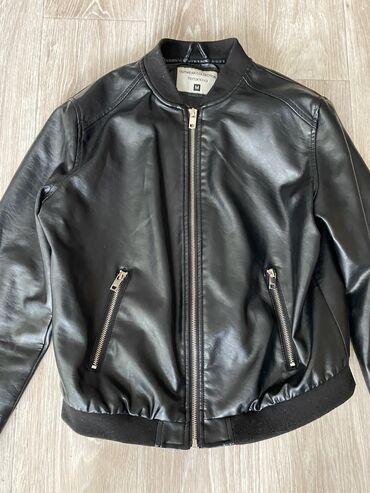 жен куртка в Кыргызстан: Куртка Деми, размер м, женская