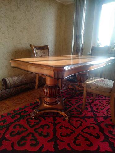 стол и стулья для гостиной в Кыргызстан: Продаю стол комплект, длина2,40 ширина 1м.35тыс сом6шт стул отдельно