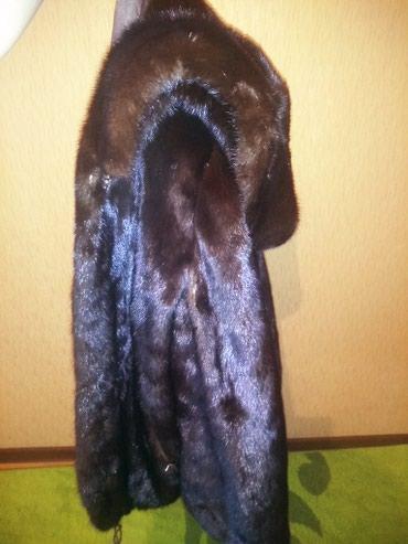 шуба норкавая в Кыргызстан: Норкавая шуба авто леди 42-44 размер есть немного недостатков которые