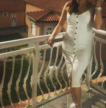Haljine | Petrovac na Mlavi: Prelepa bela haljina uska uz telo
