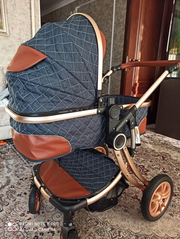Продаю коляску с матрасом и сеткой в отличном состоянии. Пользовались