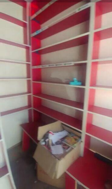 полка для магазина в Кыргызстан: Продаются оборудование для магазина.тумбочки-витрины с