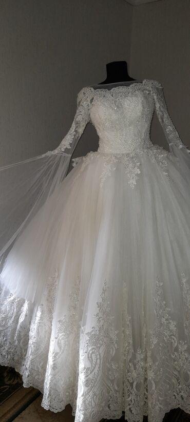 Свадебные платья на прокат!!! размеры:42-54Цена:5000+фата(на