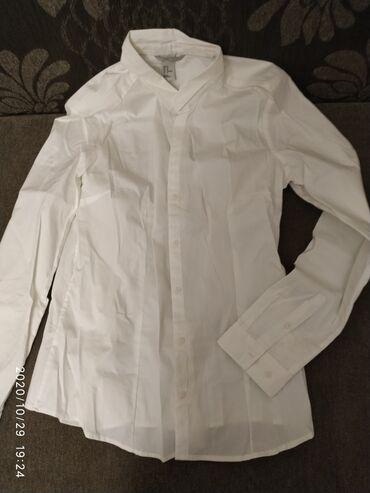 Рубашка H&M (США), не короткая. Сидит идеально. Подойдет, чтобы но