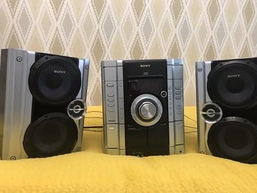 Динамики и музыкальные центры - Тип колонки: Акустическая - Бишкек: Музыкальный центр SONY (оригинал). Идеальное состояние. В комплекте ан
