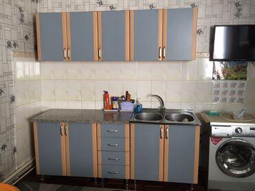 Продаю кухонный гарнитур в отличном состоянии!!! Столешница из камня (