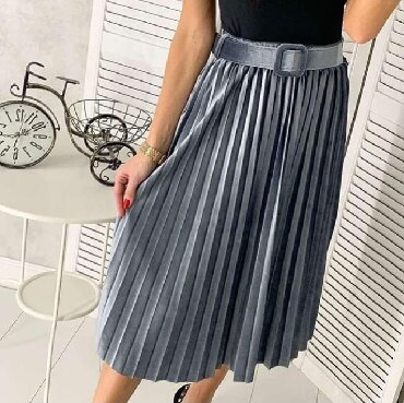 Продаю велюровые юбки с ремешком (новые). 3 цвета(беж, серебро