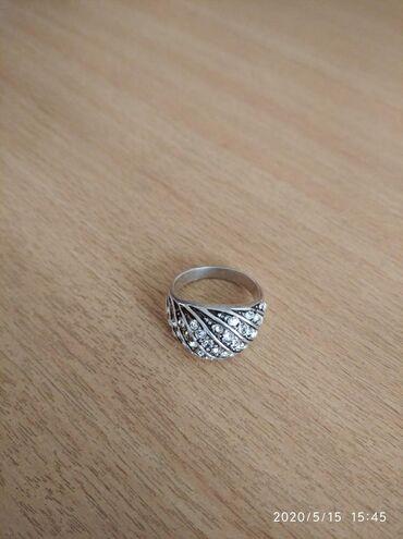 Украшения в Токмак: Серебро размер 17.5, отдам за 300