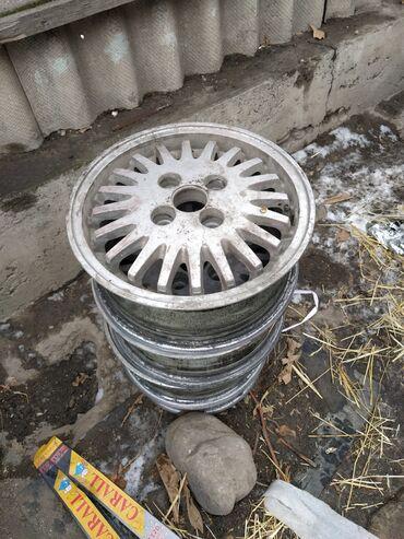 купить литые диски r14 4 98 бу в Кыргызстан: Продам 4 литых диска размер R13 4/100.или предлагайте ваши варианты