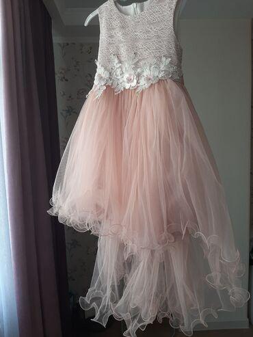 Платье на 7 - 8 лет, как новое, производство Турция