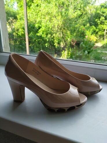 36 размер в Кыргызстан: Продаётся обувь, красивые очень удобные, новые 35-36 размер подходит