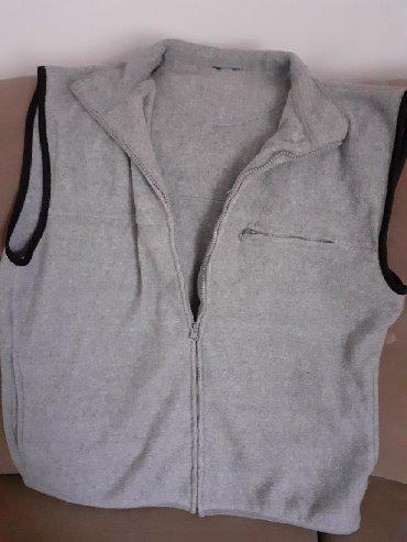 Ženska odeća   Kucevo: Prsluk zenski mekan topao sive boje kao nov vel L Povoljno