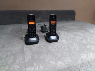 Kucni-aparati - Srbija: Panasonic bezicni fiksni telefon sa 2 slusalice. Potpuno ispravan i