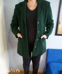 Kostim zenski, zeleni, sako i suknja do kolena. Sako postavljen ima - Novi Sad