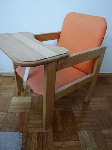 Frizerska stolica - Beograd: Stolica za hranjenje drvena. Ocuvana. Kao nova. Prakticna za pisanje