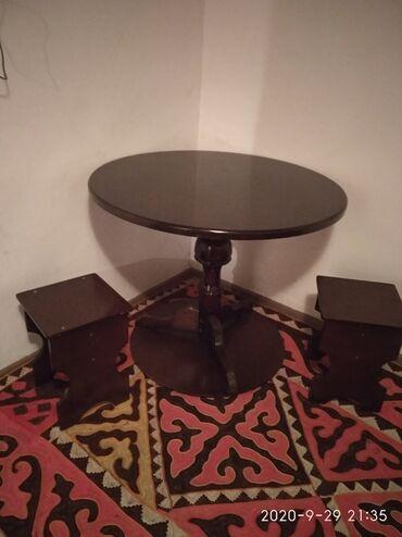 Комплекты столов и стульев - Кыргызстан: Продаю стол со стульями, 3 стульчика диаметр 1 метр