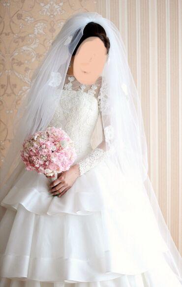 Продаю свадебное платье. Размер XS. Цвет айвори