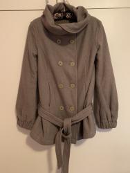 Prodajem braon Sisley (Benetton) jaknu u M velicini (ITA 44), odlicno - Belgrade