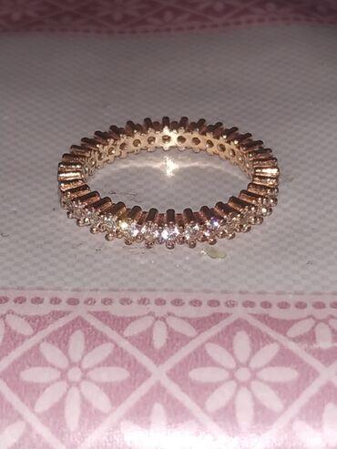 Продается кольцо, колечко Отдам за 80 брала за 150. Новый золотой