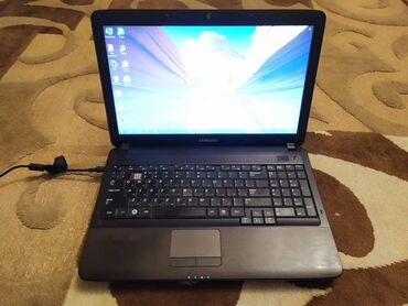 umyvalnik i unitaz в Кыргызстан: Ноутбук Самсунг, батарея не держит, часть клавиатуры не работает