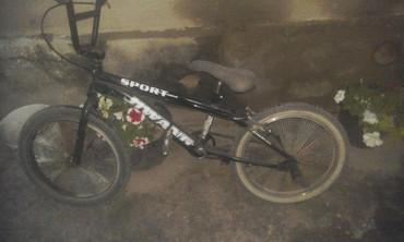 детский велосипед bmx 16 в Кыргызстан: Велосипед bmx в коретке новые подшипники прошу 3500 во время осмотра м