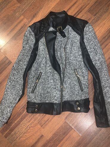 Pet jakni povoljno M velicina,ocuvano,kao novo